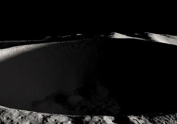 Óriási, sötét lyuk: a Hold túloldala félelmetes és veszélyes terep.