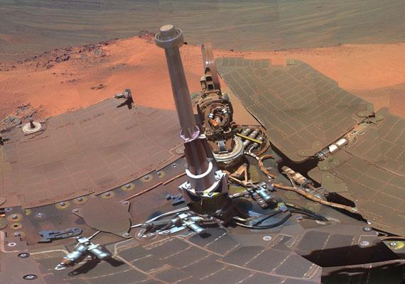 A marsjáró egyes képein maga a szerkezet is jól látható - mintha a tetején ülnél.