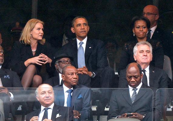 A dán miniszterelnök, Helle Thorning-Schmidt, az amerikai elnök, Barack Obama és a First Lady, Michelle Obama is részt vettek Nelson Mandela gyászszertartásán.