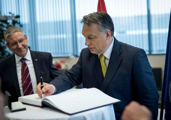 Orbán Viktor levelezési kedve ekkoriban már olyan magaslatokban járt, hogy 2013 elején újabb adagot kellett postázni, ezúttal a határon túli magyarok számára. Ekkor azonban mindössze 160 ezer levelet adtak fel, ami 45 millió forintos költséget jelentett az államnak. A levélben kevésbé kérdések, inkább tájékoztatás volt található a kettős állampolgárság bevezetéséről.