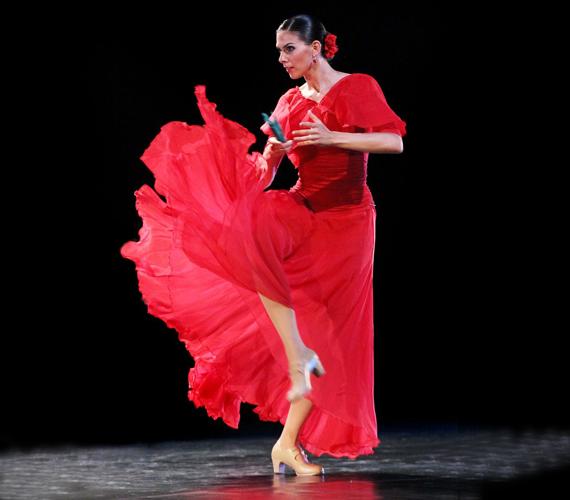 A flamenco komplex műfaj, annyira sokrétű, hogy ha más műfajokkal találkozik, azokkal mindig kapcsolatot tud találni.                         Fotó: Puskel Zsolt