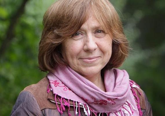 Szvetlana Alekszijevics fehérorosz ellenzéki írónak ítélte oda idén az irodalmi Nobel-díjat a Svéd Akadémia, amely csütörtökön Stockholmban jelentette be döntését. A testület indoklása szerint a díjat a 67 éves szerzőnek polifonikus írásaiért ítélték oda, amelyek a szenvedésnek és a bátorságnak állítanak emléket korunkban.