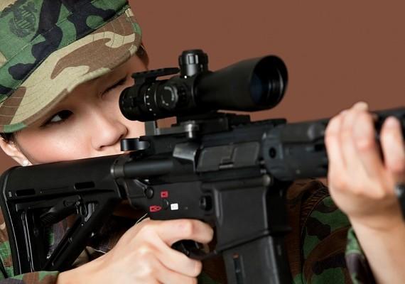 A nők harchoz, hadseregbe történő belépéshez való joga az egyik legfrissebb és legvitatottabb mind közül.