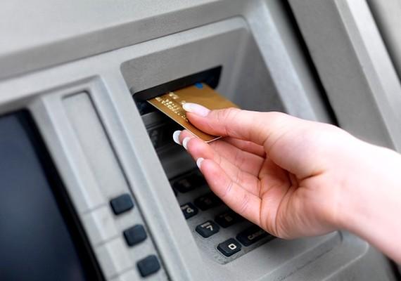 Amerikában még a múlt század közepén is a férj engedélye kellett ahhoz, hogy egy nő saját bankszámlát nyisson.