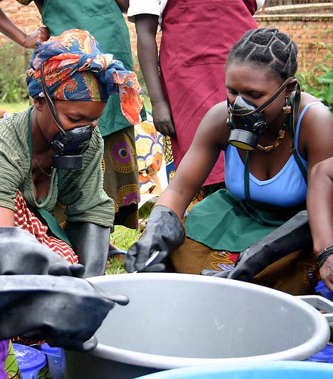 KongóKongóban nemcsak a polgárháború sújtja a nőket, de kiszolgáltatott helyzetük is a katonákkal szemben. Az országban ugyanis mindennapos a nemi erőszak, a megerőszakolt nők többsége alig 18-20 éves. Arról nem is beszélve, hogy az abortuszt tiltja a törvény.