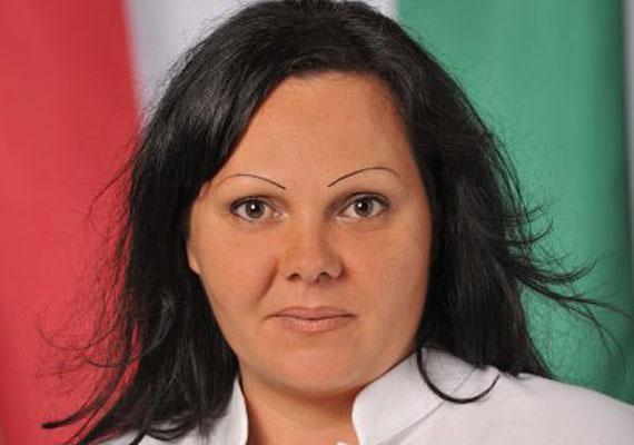 Szolnok polgármesteri székéért egyetlen női jelölt küzd, méghozzá a Jobbik színeiben induló Kiss Gabriella.