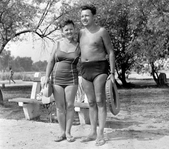 Boldog pillanatkép 1956 nyaráról: a gondtalan strandolók még semmit sem sejtettek arról, ami néhány hónappal később következett.