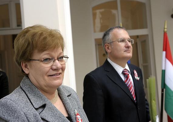 Szűcs Erika a második Gyurcsány-kormányt erősítette Lamperth Mónika után mint szociális és munkaügyi miniszter. Mandátuma 2008. április 30-tól 2009. április 20-ig tartott.