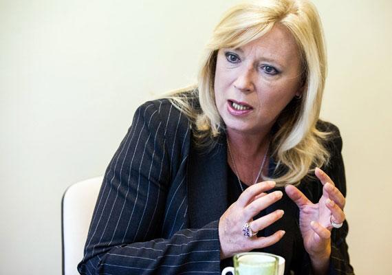 Szlovákiának 2010 és 2012 között volt nő a miniszterelnöke Iveta Radicova személyében. A szociológus végzettségű Radicova korábban már volt kormánytag, ám 2009-ben alulmaradt az elnökválasztáson, majd 2010-ben jobbközép-liberális pártja élén megnyerte a választást. A jelenlegi, Robert Fico által vezetett kabinetnek egyetlen női tagja van, az egészségügyi miniszter, Zuzana Zvolenská.