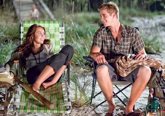Az utolsó dal, 2010: A zenén keresztül megismerheted egy család történetét. A film két főszereplője Liam Hemsworth és Miley Cyrus, akik az életben már jegyespárt alkotnak.