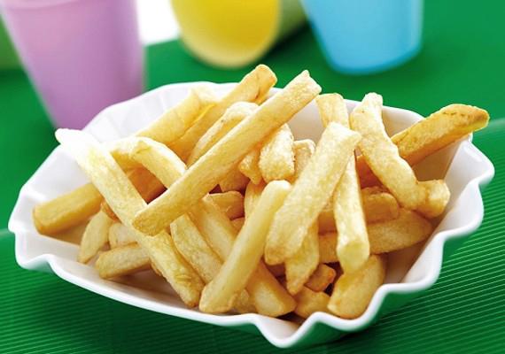 Holtversenyben végez vele a sült krumpli ketchuppal vagy majonézzel.