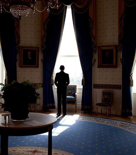 A Kék Szoba  Obama a Kék Szobában várakozik, mielőtt beszélne a sajtó képviselőivel.