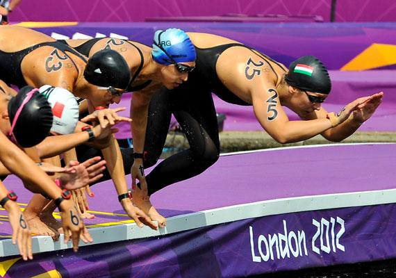 Risztov Éva 10 kilométeres nyílt vízi úszásban szerzett aranya hatalmas meglepetés volt.