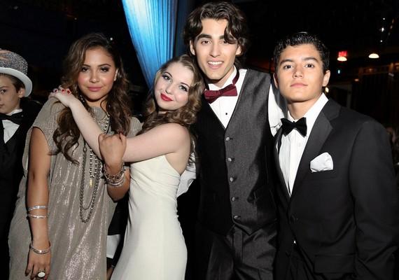 Vanessa Hudgens testvére, Stella a legjobb barátnőjével, Sammi Hanrattyvel érkezett, valamint velük volt két kísérőjük, Blake Michael ésEric Unger.