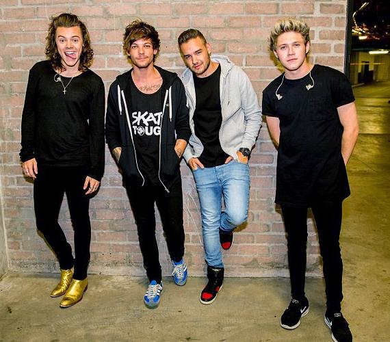 A banda ötödik, a kritikusok szerint eddigi legjobb albuma most készült el, ám lemezbemutató turné nem indul, így a rajongók utoljára október végén láthatják a fiúkat a színpadon. Azt azonban utóbbiak megígérték, hogy márciusig az összes nagyobb zenei díjátadón ott lesznek, köztük az október 25-én megrendezett MTV Europe Music Awardson, ahol két díjra is jelölték őket, köztük a legnagyobb rajongótábor kategóriában.