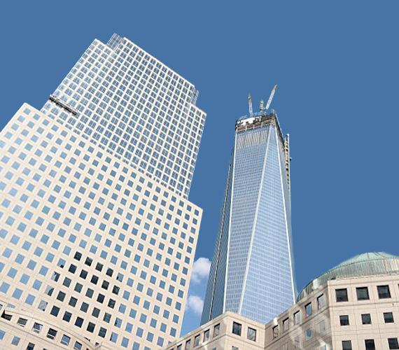 Az égig emelkedik az 550 méter magas Freedom Center.