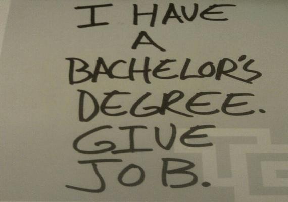A diplomám-van-adj-munkát elég logikusan hangzik, mégsem meríti ki az önéletrajz fogalmát.