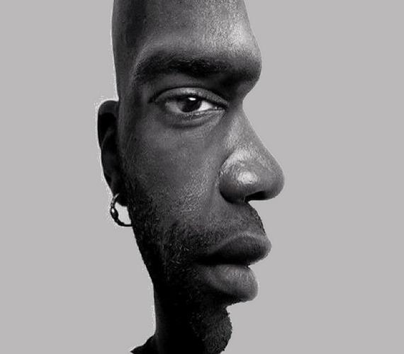 A képen egy férfi fél arcát látod. De vajon szemből vagy profilból? Attól függ, hogyan nézed.