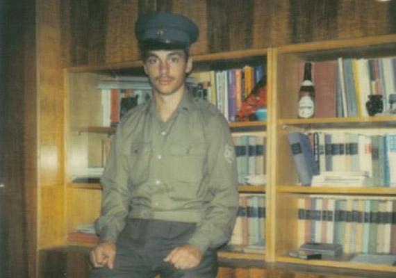 Orbán Viktor 1981-ben lett katona, Zalaegerszegen szolgált. Pár hete felvetődött, hogy visszahozzák a sorkatonaságot, de a Fidesz cáfolta a dolgot.