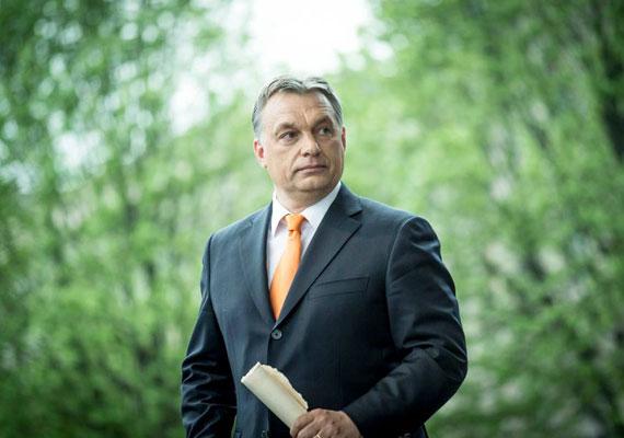 Magyarország miniszterelnökét Orbán Viktor Mihálynak hívják. Bizony, a magyar kormányfőnek van egy harmadik neve, mely sosem bukkan fel a róla szóló híradásokban. Kivéve a szaúd-arábiai lapokat, az Index.hu találata szerint ugyanis Orbán tavaszi látogatásakor egy helyi újság teljes nevén hivatkozott a magyar kormányfőre.