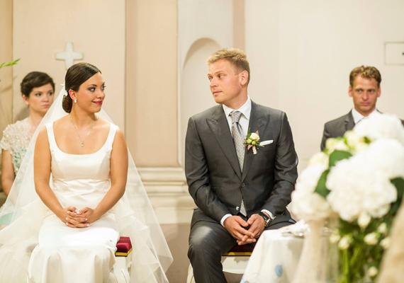Az esküvőt követő lagzit a férj családjának birtokán tartották meg szeptember 7-én, szombaton.