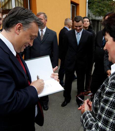Hatvan  Orbán Viktor az önkormányzati választási kampány keretében Hatvanba is ellátogatott 2010. szeptember 29-én.