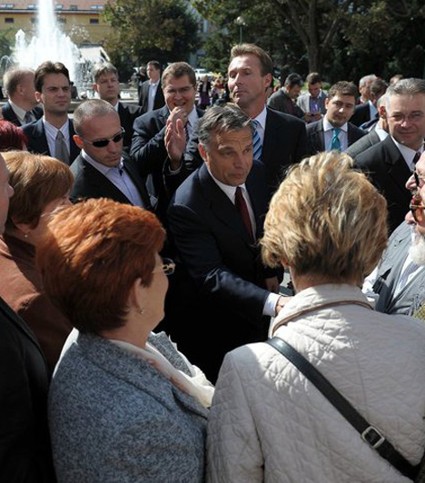 Szeged  Orbán Viktor a 2010-es önkormányzati választás előtt, szeptember 27-én látogatott el Szegedre, ahol a Fidesz jelöltjének kampányolt. A városban az MSZP-s Botka László nyert végül.
