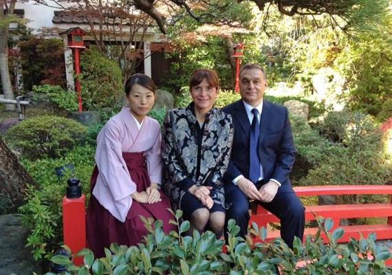A magyar miniszterelnököt, Orbán Viktort felesége, Lévai Anikó is elkísérte. A magyar delegáció kedden este érkezett Japánba, a hivatalos program csütörtökön kezdődött.