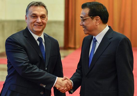 Köszöntőjében a kínai és a magyar miniszterelnök is hangsúlyozta a két nemzet közötti mély és régi barátság fontosságát.