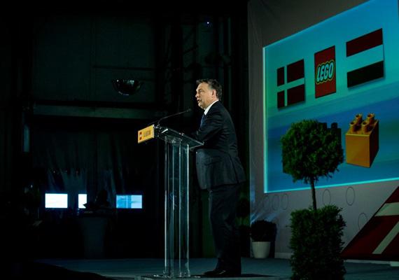 Orbán Viktor szerint azok a gyermekek, akik sokat játszanak, jól játszanak, és jó játékokkal játszanak, kreatív és alkotó személyiséggé válhatnak, és nagyobb esélyük van arra, hogy elégedett és sikeres emberek legyenek, mint azoknak, akiknek ez nem jut osztályrészül.