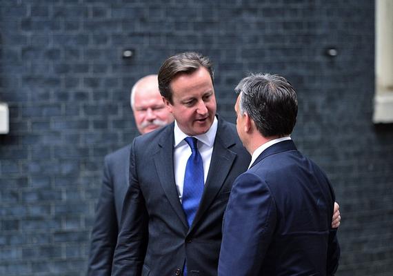 Mint ahogy a képen is tükröződik az összhang, a politikusok sajtótájékoztatójukon egyetértettek abban, hogy az Európai Unió intézményei reformra szorulnak.