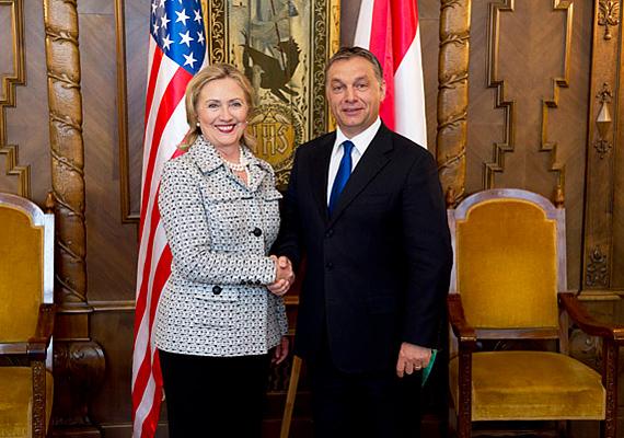 Orbán Viktor Hillary Clintonnal is találkozott, mivel szeretnék az Egyesült Államok és Magyarország közötti együttműködést tovább erősíteni.