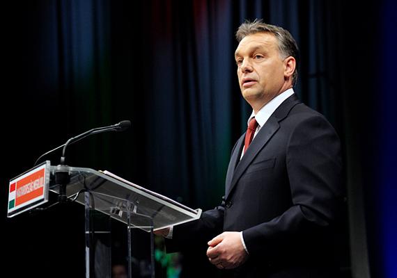 Februárban a miniszterelnök kijelentette, hogy 2011 a megújulás, 2012 pedig az elrugaszkodás éve lesz.