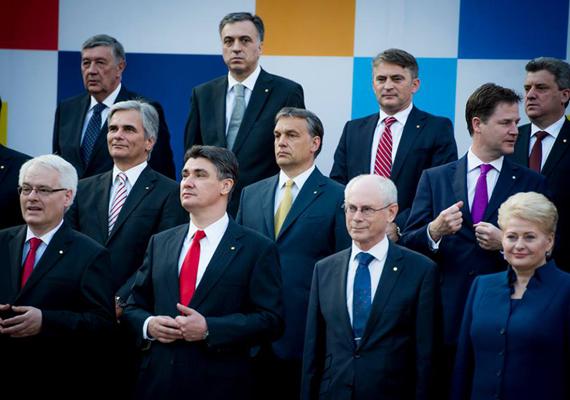 Július elején a miniszterelnök Zágrábba utazott, hogy a horvátokkal együtt ünnepelje az ország csatlakozását az Európai Unióhoz.