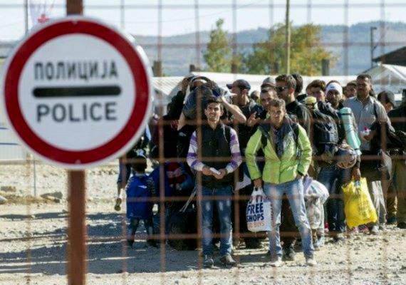 A török hatóságok minden, az ország területére lépett szíriai menekültet regisztrálnak, biometrikus adatokat vesznek tőlük, és ezeket egy külön adatbázisban tárolják - ezt még októberben mondta magyar újságíróknak Ankarában a török Miniszterelnökség Migrációs Hivatalának vezetője. A regisztrációt a menekülthullám megindulásakor - Magyarországon kívül - egyik ország sem vette komolyan.
