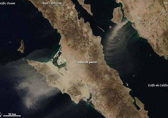Homokvihar söpör végig Mexikóban 2011 novemberében.