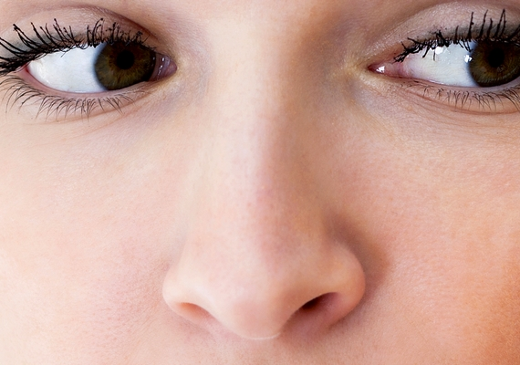 Ha az arcod méreteivel arányos, középre néző orrod van, ami nem tompa és nem is hegyes, átlagos formákkal rendelkezel. Ez a típus kerüli a feltűnést, és bár félénknek tűnhet, valójában csak csendes, de ha ki kell állnia magáért, akkor megjön a hangja.