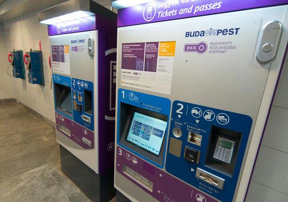 Új rendszerrel sokkolja a Budapesti Közlekedési Központ az utasokat. Ezentúl hőpapírra nyomják majd a bérleteket, amikre a jegypénztáros vezeti fel egy fényképes igazolvány számát. Ez utóbbi lépése miatt a BKK-nál vizsgálatot indított a Nemzeti Adatvédelmi és Információszabadság Hatóság.