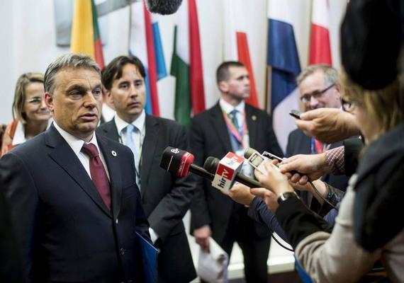 Egyetlen nő sem lesz tagja a harmadik Orbán-kormánynak. Ez azután vált biztossá, hogy az MTI-hez eljuttatott névsor szerint Németh Lászlóné távozik a fejlesztési minisztérium éléről és Seszták Miklós ül a helyére. Az, hogy egy kormányban csak férfiak legyenek, szinte példa nélküli a világon, némely arab országban fordul csak elő. Sesztákon kívül még egy új név merült fel a kormánytagok közt, Trócsányi László Navracsis Tibort váltva igazságügyminiszter lesz.