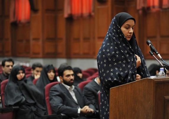 A nemzetközi tiltakozások ellenére Iránban kivégezték Rejhaneh Dzsabbarit. A kivégzésekor mindössze 26 éves nőt 2007-ben tartóztatták le, amiért a vád szerint megölt egy férfit. Dzsabbari állítása szerint a férfi meg akarta őt erőszakolni, így önvédelemből egy késsel hátba döfte, de ebbe a támadó még nem halt bele. A férfit a nő szerint egy számára ismeretlen férfi ölte meg, aki ekkor érkezett a házba. Komoly nemzetközi kampányt indítottak a fiatal nő megmentéséért, mivel a bizonyítékok nem voltak egyértelműek.