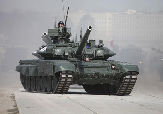 32 orosz tank lépte át az ukrán határt pénteken, 30 teherautó kíséretében, melyek fegyvereket és katonákat szállítottak - közölte az ukrán hadsereg. A feltételezett határsértés pont akkor történt, amikor úgy tűnik, vége a szeptember elején a kijevi kormány és az oroszbarát szakadárok közt megkötött fegyverszünetnek. Petro Porosenko ukrán elnök már csütörtökön az egyezmény megsértésével vádolta meg a szakadárokat, mivel vasárnap Ukrajna keleti országrészeiben választásokat tartottak. Az elnök szerint ezt csak az ukrán hatóságokkal együttműködve, az ukrán törvények szerint lehetett volna megtenni, így a fegyvernyugvás felrúgásának tekinti a történteket, és Kijev megszünteti az egyezményben rögzített különleges státusát az érintett megyéknek.