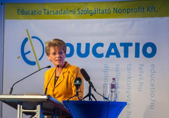 A köznevelési államtitkár, Hoffmann Rózsa szerint az elmúlt három és fél évben a legfontosabb szabályokat sikerült megalkotni az oktatás területén. Erről az államtitkár a hétvégi Education oktatási szakkiállításon beszélt.