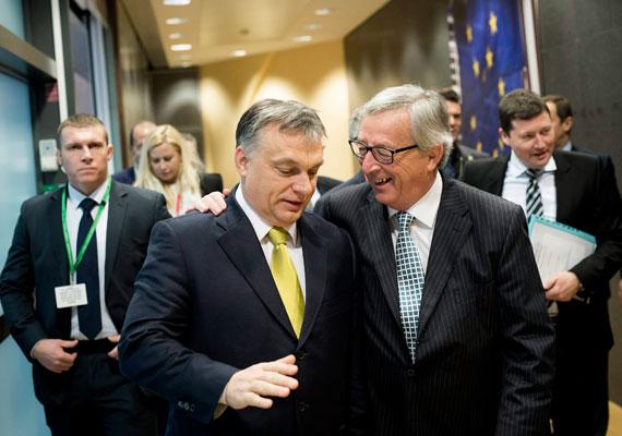 Orbán Viktor pénteken Brüsszelbe utazott, ahol találkozott az Európai Néppárt, az Európai Bizottság és az Európai Tanács elnökével is. Mind Donald Tusk, mind Jean-Claude Juncker új vezető saját posztján, ezért indokolt áttekinteni velük az unió előtt álló kihívásokat, illetve a közösség és Magyarország kapcsolatát - mondta a látogatás okáról Havasi Bertalan, a Miniszterelnöki Sajtóiroda vezetője.