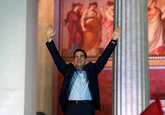 Miután a múlt vasárnapi választásokat megnyerte a Radikális Baloldal Koalíciója - Sziriza - Görögországban, hétfőn már egy jobboldali koalíciós partnert is találtak, szerdára pedig megalakult az új kormány. Az ország miniszterelnöke ezentúl Alekszisz Ciprasz lesz, aki határozottan elutasítja a megszorítások politikáját az országban, amit a görögöknek hitelt nyújtók megkövetelnek.