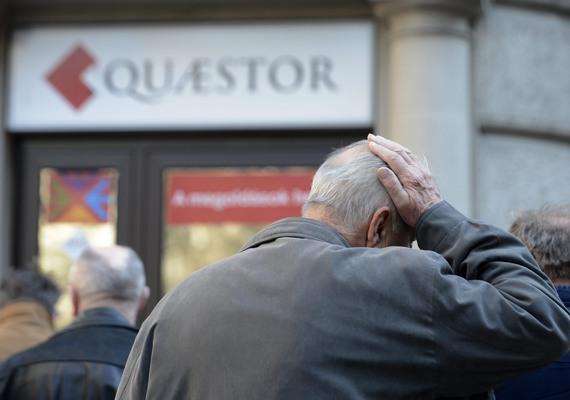 Hétfőn öncsődöt jelentett a Quaestor Financial Hrurira Kft. A hivatalos indoklás szerint a múlt heti Buda-Cash-botrány olyan pánikot okozott a piacon, hogy ezért az állam segítségét kérték. A jegybank vizsgálata ugyanakkor csalásokat tárt fel a cégnél, a gyanú szerint az több mint 200 milliárd forint értékben csalhatott. A botrány a kormányt is kellemetlenül érintheti, hiszen a Quaestor több szálon is kötődött a Fideszhez, illetve a kormányhoz.