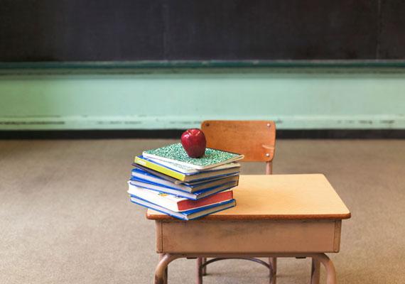 A kormány megint az oktatással babrálna. A Magyar Nemzet információi szerint a kabinet nem nézi jó szemmel, hogy szerintük túl sokan járnak gimnáziumokba, míg a szakiskolák kevésbé népszerűek, ezért képesség- és tudásfelmérést végeznének a gyerekeken a hetedik évfolyam végén, így meghatároznák, ki mehet gimnáziumba, és ki nem.
