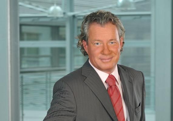 """Pálffy István tévés és politikus lett az új dublini nagykövet Magyarics Tamás után. A hir24.hu értesülései szerint """"a volt KDNP-s képviselő nem akarta kommentálni az értesülést, ugyanakkor Tusnádfürdőn már kijelölt nagykövetként szerepelt."""""""