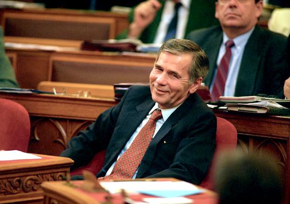 A héten hosszú betegség után, 81 éves korában elhunyt Magyarország egykori miniszterelnöke, Horn Gyula (1932-2013).