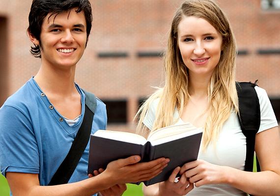 Az Erasmus Plus programja több mint négymillió európai fiatalnak nyújt lehetőséget arra, hogy külföldön szerezzenek tapasztalatot tanulás és munka terén is. Korábbi cikkünkből többet is megtudhatsz »