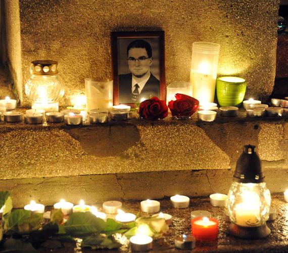 Szerda hajnalban két magyar meghalt, amikor megtámadták turistacsoportjukat Etiópiában. Az áldozatok a Szegedi Tudományegyetem munkatársai, Fábián Tamás 53 esztendős geográfus és Szabad Gábor 39 éves kutatóorvos.